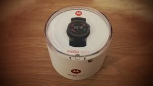 Moto 360 Sport Test: Verpackung